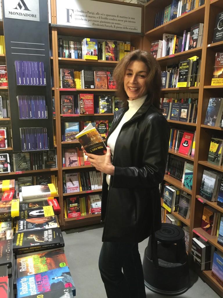 Bolognabookstoresmile